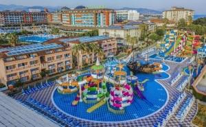 Почивка в Алания, Турция през Май и Юни 2021. Чартърен Полет от София + 7 Нощувки на човек на База Ultra All Inclusive в Хотел Lonicera Resort & Spa 5*!