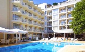 4 или 7 нощувки на човек със закуски + басейн в хотел Карлово, Слънчев бряг
