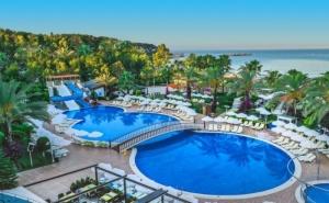 Почивка в Алания, Турция, от юни до август. Чартърен полет от София + 7 нощувки на човек на база All Inclusive в Annabella Diamond Hotel & SPA 5*!