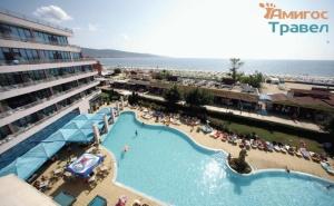 Изгодни цени за почивка на Слънчев бряг в хотел Глобус със закуска и басейн /18.06.2021 г. - 30.06.2021 г. или 01.09.2021 - 15.09.2021 г./