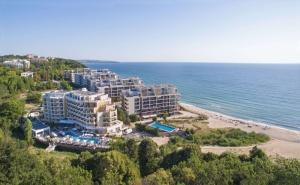 3+ Нощувки на човек + Шезлонг и Чадър на Плажа от Хотел Марина Сендс**** на 50М. от Морето в Обзор