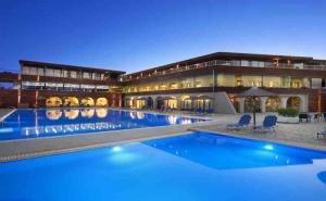 5 Дни за Двама със Закуска и Вечеря през Септември 2021 в Blue Dolphin Hotel