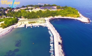 5 или 7 Нощувки на човек на База All Inclusive Ligth на 1-Ва Линия в Китен + Шезлонг и Чадър на Плажа от Хотел Марина***