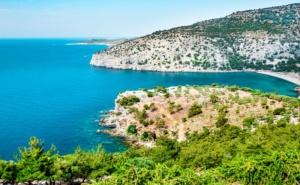 Лято 2021! Почивка на Остров Тасос, Гърция през Август и Септември. Автобусен Транспорт и 5 Нощувки на човек със Закуски и Вечери!