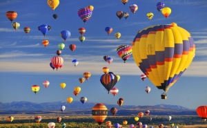 Панорамно Издигане с Балон за Двама от Балон Клуб, Пловдив. Бонус: Кафе + Минерална Вода!