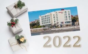 Нова Година в Чанаккале, Турция! 3 Нощувки на човек със Закуски, 1 Стандартна и Една Празнична Вечеря в Hampton By Hilton Hotel 5*