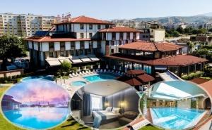 Нощувка на човек със закуска и вечеря + 2 минерални басейна + външно горещо джакузи + СПА пакет в хотел Езерец, Благоевград