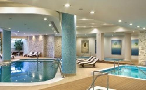 Нова Година в Ramada Plaza Thraki Hotel & Spa 5* – 2 Нощувки + Новогодишна Вечеря с Напитки + Ползване на Отоплен Басейн