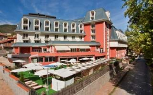 Делнична СПА промоция във Велинград, Пакети за двама със закуска и СПА от СПА хотел Акватоник