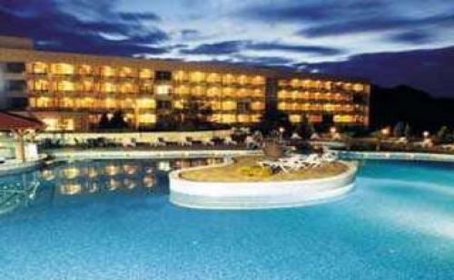ТОП оферта в СПА хотел Аугуста, Хисаря, нощувка със закуска и минерален басейн за двама