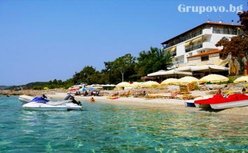 Цяло лято на брега на морето на о.Тасос! Нощувка за двама в комплекс Pefkari Beach Sudio Albatros