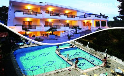Цяло Лято на о. Тасос на 80М. от Плажа! Нощувка за Трима със Закуска + Басейн на Топ Цени в Хотел Serines