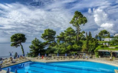 Почивка в Corfu Holiday Palace Hotel, о. Корфу, на цена от 92.00 лв.