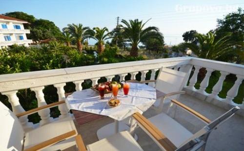 Нощувка за Двама през Септември на 20М. от Морето в Хотел Paraktio, Неа Каликратия, Гърция
