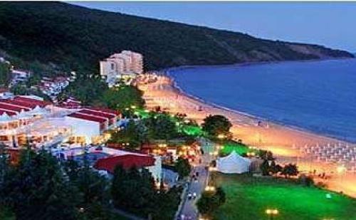 Семейна Почивка в Елените с Големи Отстъпки, 5 Дни All Inclusive с Плаж и Аквапарк След 23.08 във Вили Елените