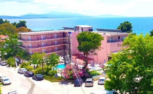 Last Minute. ТРИ All Inclusive нощувки + басейн в Golden Beach Metamorfosi 3*, Халкидики, Гърция на 30м. от плажа.