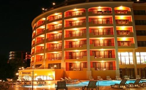 Море през Септември на База All Inclusive в Златни Пясъци - Хотел Сентрал! Топ Цена + Ползване на Басейн, Чадър и Шезлонг!