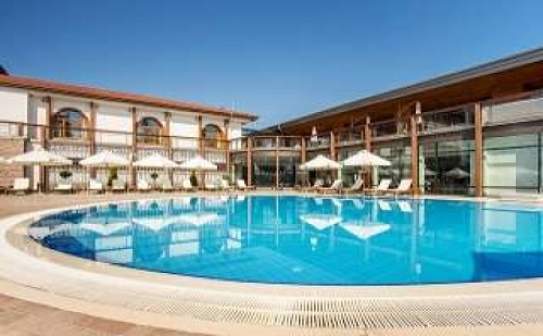 Релакс в Панагюрище, 4 дни за двама с минерална вода и бонус услуги в СПА хотел Каменград