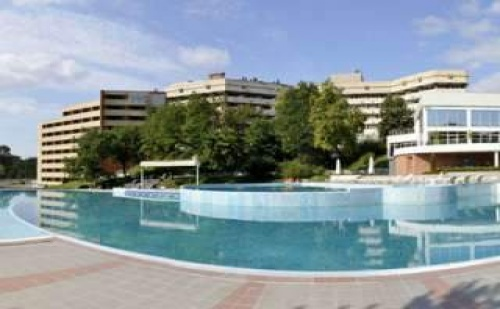 Седмична Почивка в Спа Хотел Хисар, 3 Дни със Закуска за Двама в Стандартното Крило