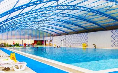 Огромен топъл МИНЕРАЛЕН басейн и СПА + нощувка, закуска и вечеря в Хотел Делта, Огняново