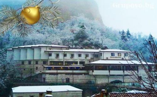Нова Година за ДВАМА в Мелник! 2 или 3 нощувки със закуски + Празнична вечеря с жива музика и релакс пакет от хотел Мелник