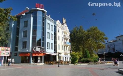 Нощувка за двама или четирима в хотел Сити Марк, Варна