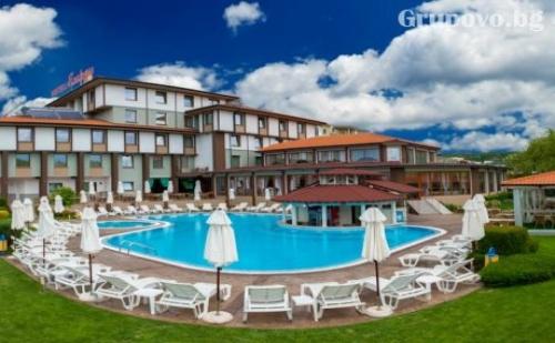 Студентски Празник в Хотел Езерец, Благоевград. 1 или 2 Нощувки със Закуски + Уникален Спа Център