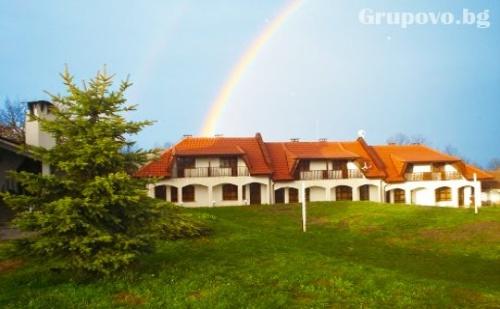 Студенстки Празник в Габровски Балкан! Две Нощувки със Закуски и Вечери, Едната Празнична от Комплекс Роден Край