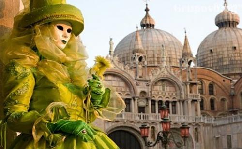 Посетете Карнавала във <em>Венеция</em>! Транспорт, 2 Нощувки със Закуски и Богата Туристическа Програма от Солео-8