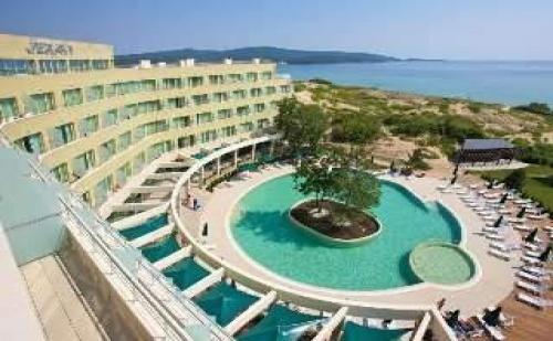 Лятна Почивка до Северния Плаж в Приморско, All Inclusive до 23.06 в Хотел Жерави 2