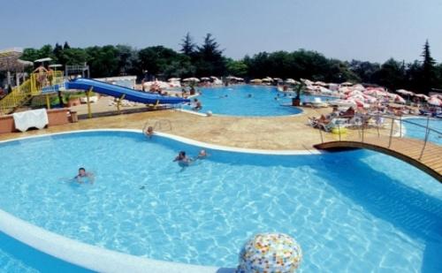 Ранни Записвания за Хотел Ком в Албена! All Inclusive + Програма и Ползване на Чадър и Шезлонг на Плажа!