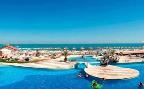 Ранни Записвания за Море в Албена - All Inclusive на Първа Линия в Хотел Славуна *** + Безплатно Чадър и Шезлонг на Плажа и Басейна!!!