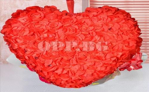 Възглавница Сърце от Рози