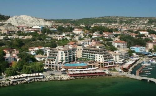 На Почивка в Хотел Марина Сити***балчик! 1 Нощувка със Закуска + Външен Басейн на Цени от 40.80 лв!