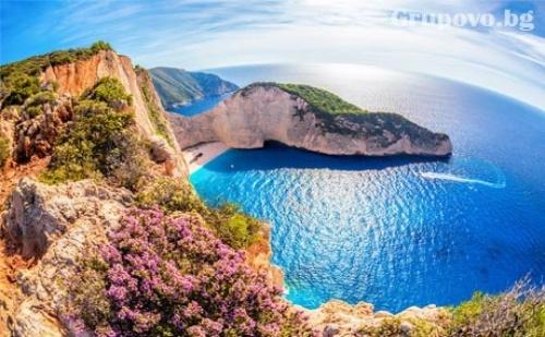 Остров <em>Закинтос</em>  - Йонийската Перла! Транспорт, 4 Нощувки със Закуски и 3 Вечери от България Травъл