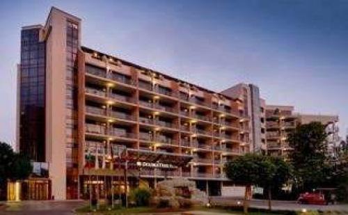 Супер лятна ваканция, оферта полупансион до 15.07 от Doubletree by Hilton Varna, <em>Златни Пясъци</em>