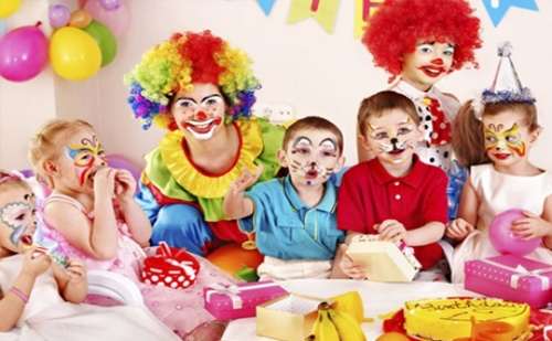 2 Часа Тематично Парти за 12 Деца - Герой по Избор + Рисунки на Лица през Уикендите само 70 лв.