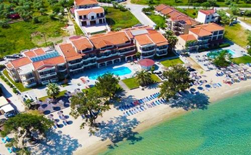 Цяло Лято на Самия Плаж в Скала-Рахониу, о. Тасос! Нощувка със Закуска и Вечеря + Частен Плаж и Басейн от Хотел Rachoni Bay Resort