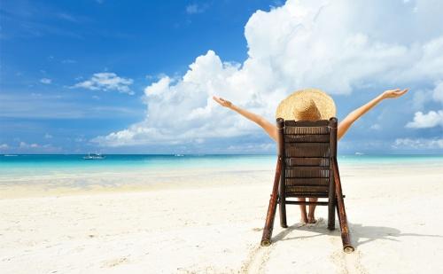 На Море в Китен на 100М. от Плажа. Нощувка със Закуска в Реновирания Хотел Албатрос