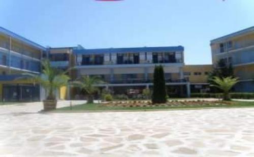 All Inclusive до 03.07 и След 25.08 на Ниски Цени от Хотел Азуро, <em>Слънчев бряг</em>