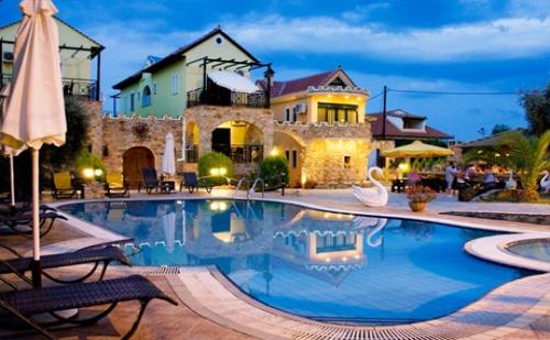 Цяло Лято на о. <em>Тасос</em>! Нощувка + Басейн в Хотел Kastro до Скала Потамиас