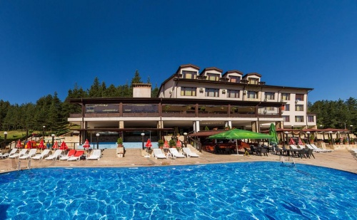 На Почивка през Май и Юни в Хотел Аспа Вила, с. Баня, до <em>Банско</em>. Нощувка, Закуска и Вечеря + Открит Минерален Басейн, Джакузи и Spa Зона