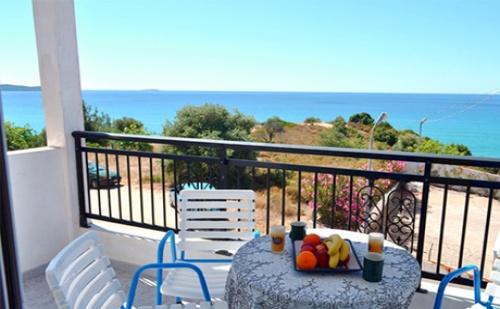 Цяло Лято на 100 Метра от Плажа в <em>Лименария</em>, о.тасос - Нощува в Двойна, Тройна или Четворна Стая в Studios Voulis!
