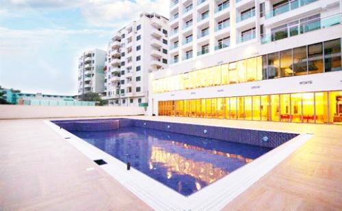 4-Звездно Лято в Дуръс, Албания! Транспорт + 7 Нощувки на База All Inclusive, Басейн, Частен Плаж + Чадър и Шезлонг на Плажа от Хотел Horizont