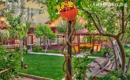 Релакс в Сапарева <em>Баня</em>! Нощувка в Къща за Гости Меги с Детски Кът, Барбекю и Още Много Удобства!