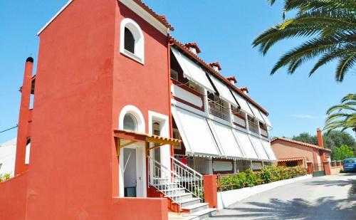 Цяло Лято в Архивари, Корфу! Нощувка за Двама или Трима на Супер Цена в Хотел Koskinas Apartments