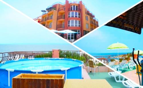 Късно Лято в <em>Черноморец</em> на 50М. от Плажа! Нощувка със Закуска + Панорамен Басейн само за 20 лв. в Хотел Денз