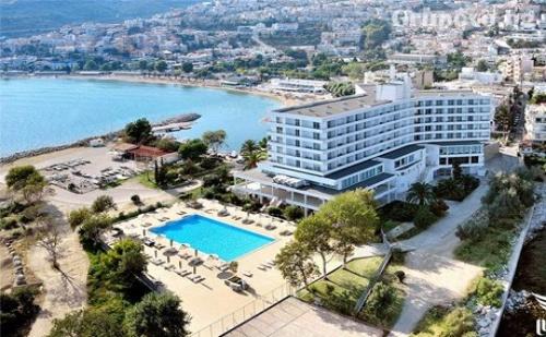 Лукс през Септември на Първа Линия в <em>Кавала</em>, Гърция! Нощувка със Закуска или Закуска и Вечеря + Басейн в Lucy Hotel***** Дете до 12Г. Безплатно