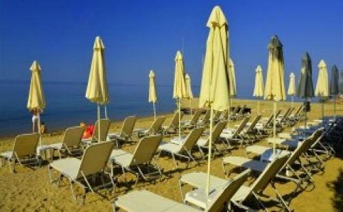 Last Minute през Юли All Inclusive на 20м. от плажа в  хотел Golden Beach 3* – Metamorfosi – Халкидики 5 нощувки