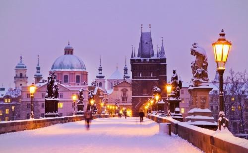 Потопете се в Магията на <em>Прага</em>! Предколедна Екскурзия по Време на Празничните Базари за 3 Нощувки на човек в Хотел Duo Praha 4* със Закуски, Обзорна Обиколка, Летищни Трансфери  ...